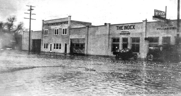 WF1916-Flood on Bishop main St #2