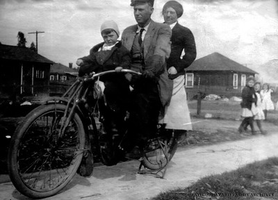 WF1912-Bert Parker, Lemoyne and Ida on motorbike#2