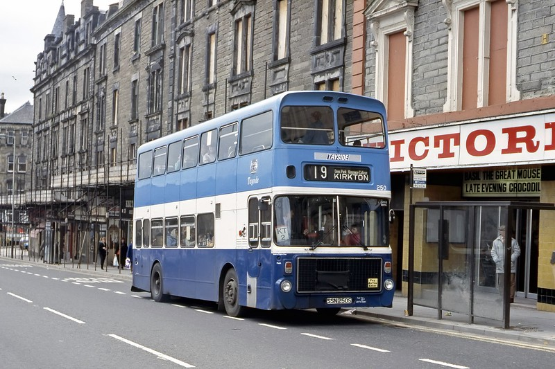Tayside 250 Victoria Road Dundee Apr 87