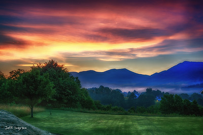 Sunrise over Dial Rock Mountain, Tazewell
