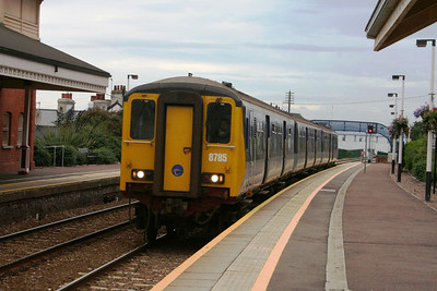 8785 arrives at Whitehead
