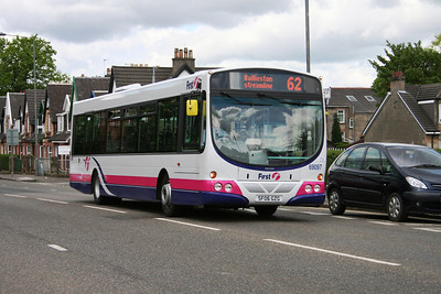 69097 eastbound on A814 Dumbarton Road in Yo Ker....
