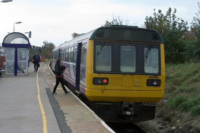 142 043 at Blackpool South