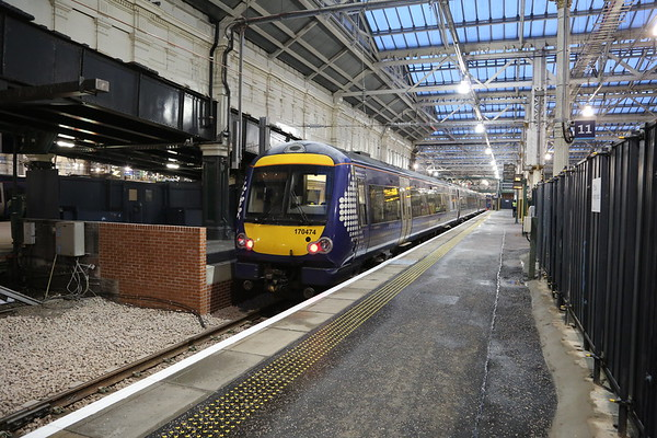 170474 first set in to the extended Platform 12