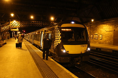 170415 waits at Perth for Glasgow