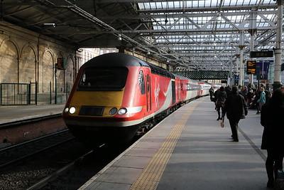 43309 leads 1S03 Leeds - Edinburgh into Waverley.   My chariot to Kirkcaldy