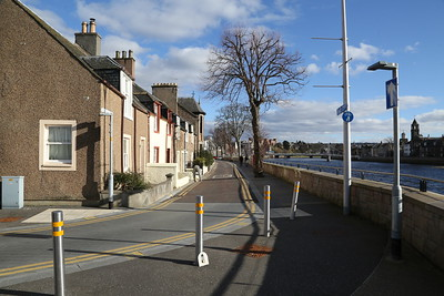 Douglas Gardens - the Inverness Flood Alleviation Scheme has created an unusual footway arrangement which seems to allow trees......