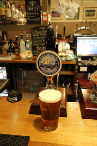 Phoenix laters.  Kelburn Misty Law 4% - a dashed good pint, and just on.  Cracking barman!