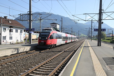4024 094 arrives at St Johann in Tirol