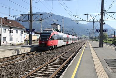 4024 094 arrives at St Johann in Tirol