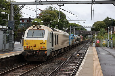 67016 and 67012 pass Airdrie with 3S93 Stirling to Slateford RHTT 30th September 2021