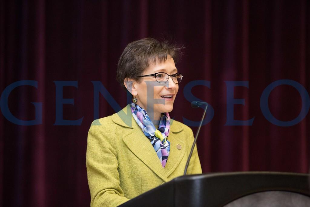 President Denise Battles addresses the room