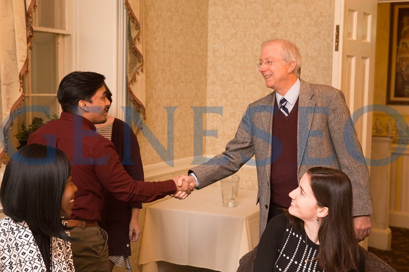 Ambassador Dennis Ross, counselor and William Davidson Distinguished Fellow<br /> at The Washington Institute for Near East Policy, meets with students before the 2017 Roemer Lecture
