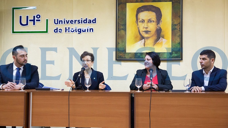 SUNY Geneseo President Denise Battles signed a memorandum of understanding with Rectora C. Isabel Cristina Torres Torres of the Universidad de Holguín in Cuba