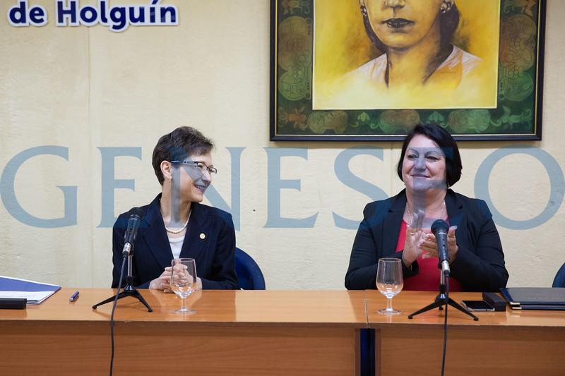 SUNY Geneseo President Denise Battles signed a memorandum of understanding with Rectora C. Isabel Cristina Torres Torres of the Universidad de Holguín in Cuba