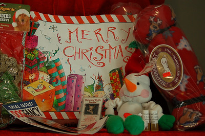 "Customers have their choice of the ""Merry Christmas Gift Bag"" or the ""Snowman Gift Bag"""