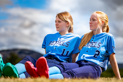 Slow Day: After team photos, Telstar's Taylor Mason and Emma Kruse enjoy a little sun after a rain-soaked day.