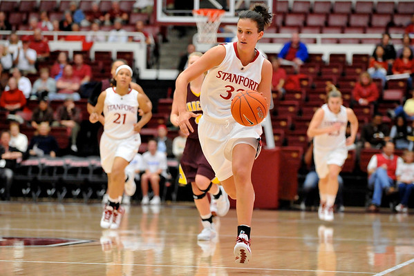 14 November 2008: Stanford forward Jillian Harmon (33) brings the ball up court during the Cardinal's 68-55 victory over the Minnesota Golden Gophers at Maples Pavilion in Stanford, CA.