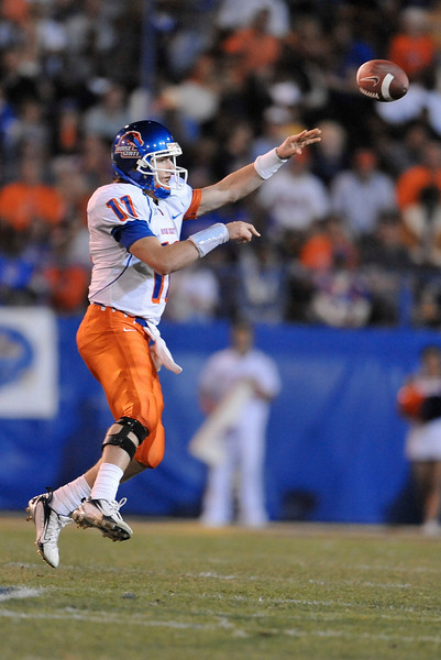 Oct. 24, 2008; San Jose, CA, USA; Boise State quarterback Kellen Moore (11) throws a screen pass in the third quarter of the Broncos 33-16 victory over the San Jose State Spartans at Spartan Stadium in San Jose, CA. Mandatory Credit: Daniel R. Harris-US PRESSWIRE