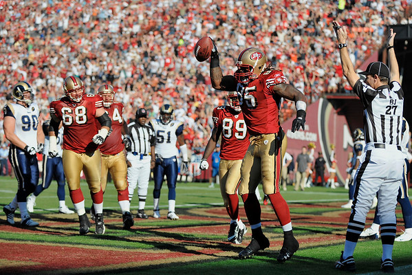 Nov. 16, 2008; San Francisco, CA, USA; San Francisco 49ers tight end Vernon Davis (85) celebrates a touchdown during the second quarter of the 49ers game against the St. Louis Rams at Candlestick Park. Mandatory Credit: Daniel R. Harris-US PRESSWIRE