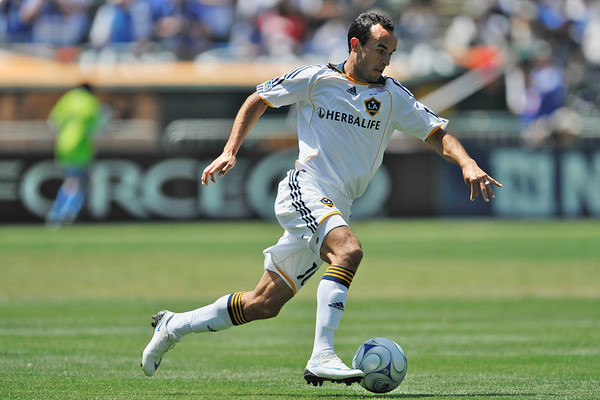 03 August 2008:  Landon Donovan (10) during the San Jose Earthquakes' 3-2 win over the Los Angeles Galaxy at McAfee Coliseum in Oakland, CA.