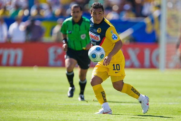 19 July 2009:  Club America forward Salvador Cabanas (10) during play in the World Football Challenge match between Club America and Inter Milan at Stanford Stadium in Stanford, California.  Club America prevailed 1-1 on penalty kicks.