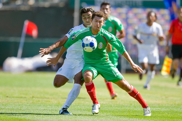 05 July 2009:  Mexico attacker Miguel Sabah (14) during play in the Group C match of the Confederation of North, Central America and Caribbean Association Football Gold Cup at the Oakland-Alameda County Coliseum in Oakland, California.  Mexico defeated Nicaragua 2-0.