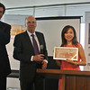 JUCCCE Chairperson Peggy Liu presented with 2012 Hillary Step Award<br /> 聚思主席刘佩琪荣获希拉里国际领导力学院荣誉大奖