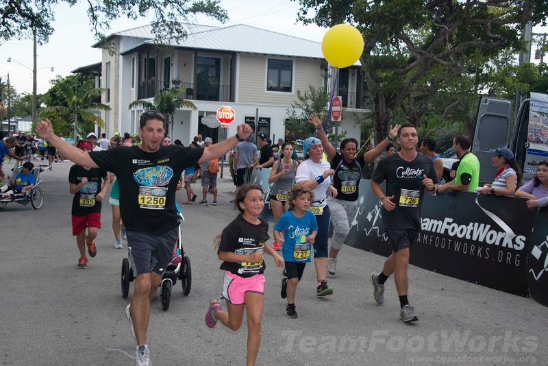 South Miami Hospital Twilight 5K Photo Credit: Roger Rodriguez, PhotosbyRAR