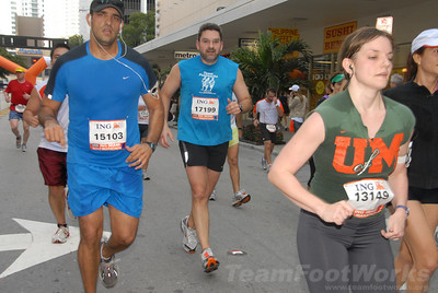 DSC_0052 Photo Credit: Susie Tillett 2009 ING Miami Marathon/Half Marathon
