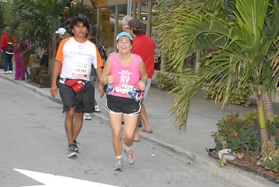 DSC_0057 Photo Credit: Susie Tillett 2009 ING Miami Marathon/Half Marathon