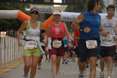 DSC_0044 Photo Credit: Susie Tillett 2009 ING Miami Marathon/Half Marathon