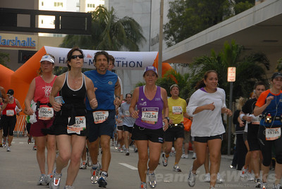 DSC_0043 Photo Credit: Susie Tillett 2009 ING Miami Marathon/Half Marathon