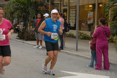 DSC_0047 Photo Credit: Susie Tillett 2009 ING Miami Marathon/Half Marathon