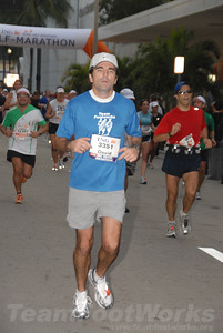 DSC_0030 Photo Credit: Susie Tillett 2009 ING Miami Marathon/Half Marathon