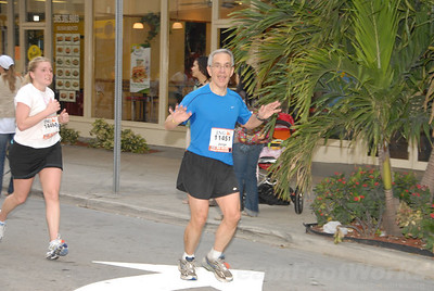 DSC_0031 Photo Credit: Susie Tillett 2009 ING Miami Marathon/Half Marathon