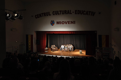 Luna de teatru la Mioveni