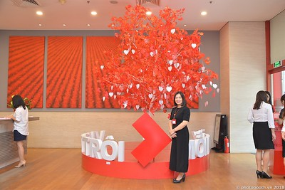 Techcombank-Ha-Noi-25th-Anniversary-Photo-Booth-Saigon-Chup-hinh-in-anh-lay-lien-Su-kien-029
