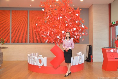 Techcombank-Ha-Noi-25th-Anniversary-Photo-Booth-Saigon-Chup-hinh-in-anh-lay-lien-Su-kien-001