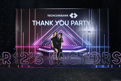 Techcombank-Thank-You-Party-2019-instant-print-photobooth-Chup-anh-in-hinh-lay-lien-Su-kien-tai-TP-Ho-Chi-Minh-WefieBox-Photobooth-Vietnam-300