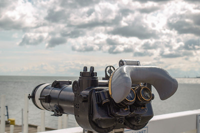 Binoculars. Photo: Martin Bager.