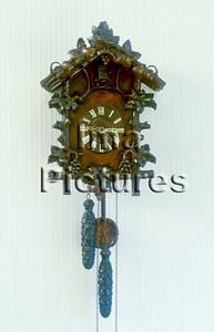 1-40-31-0124 clock,klok,horloge,Cuckoo clock,koekoeksklok,Pendule à coucou