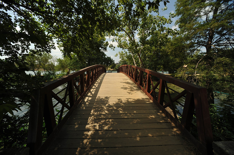 Pedestrian Bridge across mouth of Shoal Creek at Lady Bird Lake
