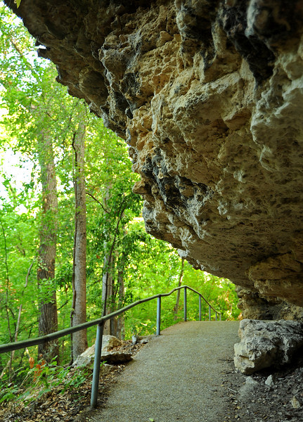 Shoal Creek trail overhang near Split Rock