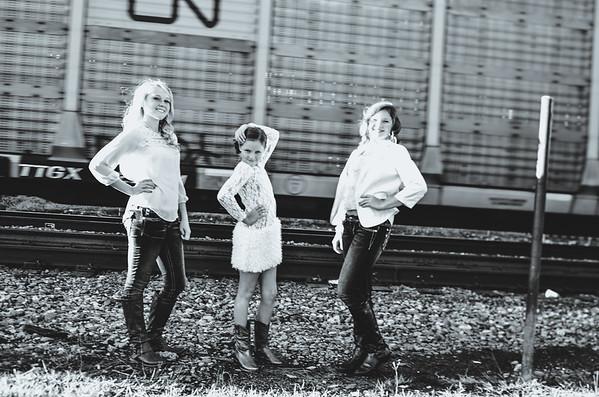 Earlywine Sisters