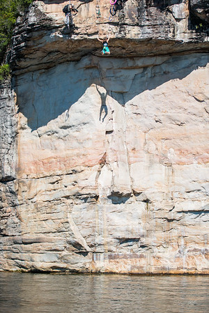 Deep-Water-Soloing-PSICOBLOC-2016-Summersville-Lake-West-Virginia-Photo-by-Gabe-DeWitt-519