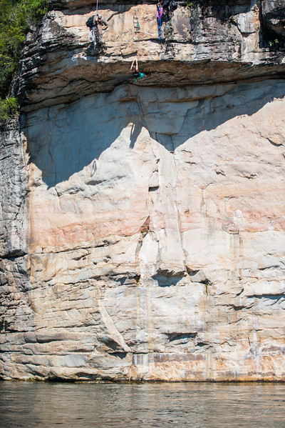 Deep-Water-Soloing-PSICOBLOC-2016-Summersville-Lake-West-Virginia-Photo-by-Gabe-DeWitt-513