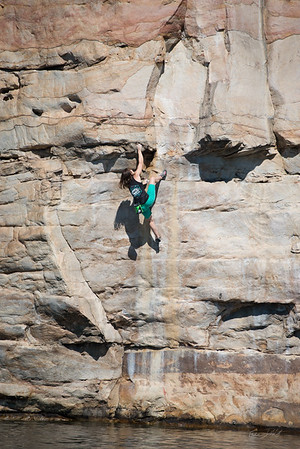 Deep-Water-Soloing-PSICOBLOC-2016-Summersville-Lake-West-Virginia-Photo-by-Gabe-DeWitt-479