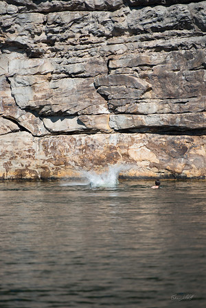 Deep-Water-Soloing-PSICOBLOC-2016-Summersville-Lake-West-Virginia-Photo-by-Gabe-DeWitt-350