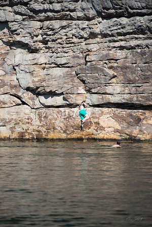 Deep-Water-Soloing-PSICOBLOC-2016-Summersville-Lake-West-Virginia-Photo-by-Gabe-DeWitt-349